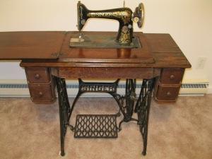 Antique-Singer-Treadle-Sewing-Machine