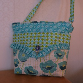 Large zippered tote bag in aqua turquoise prints and plenty of pockets FREE US SHIPPING $42.99